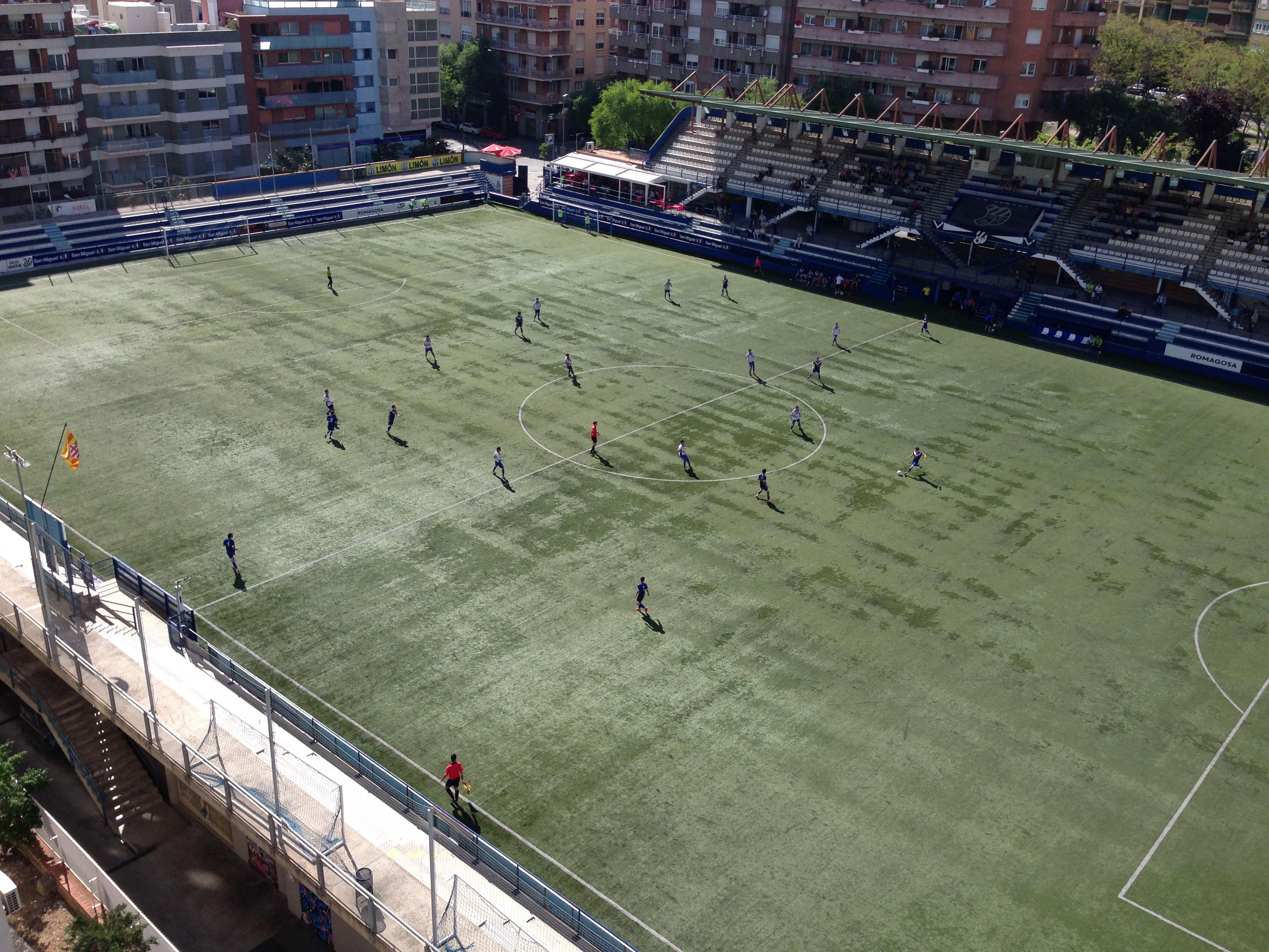 劣悪なサッカー環境。日々現場に立つと感じるもの