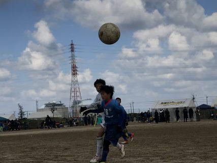 ジュニアサッカーNEWSに寄稿しました! 「子どもは褒めたら伸びるのか?」