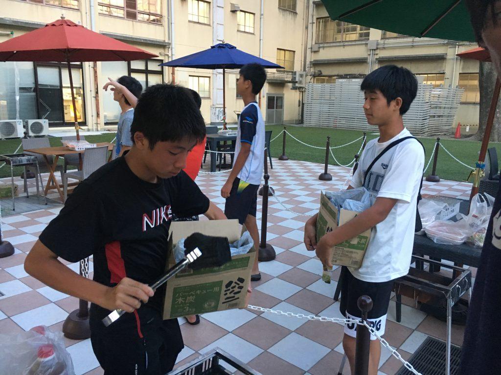 U14・15関西遠征-3日目の夕飯は火おこしからのバーベキュー!-